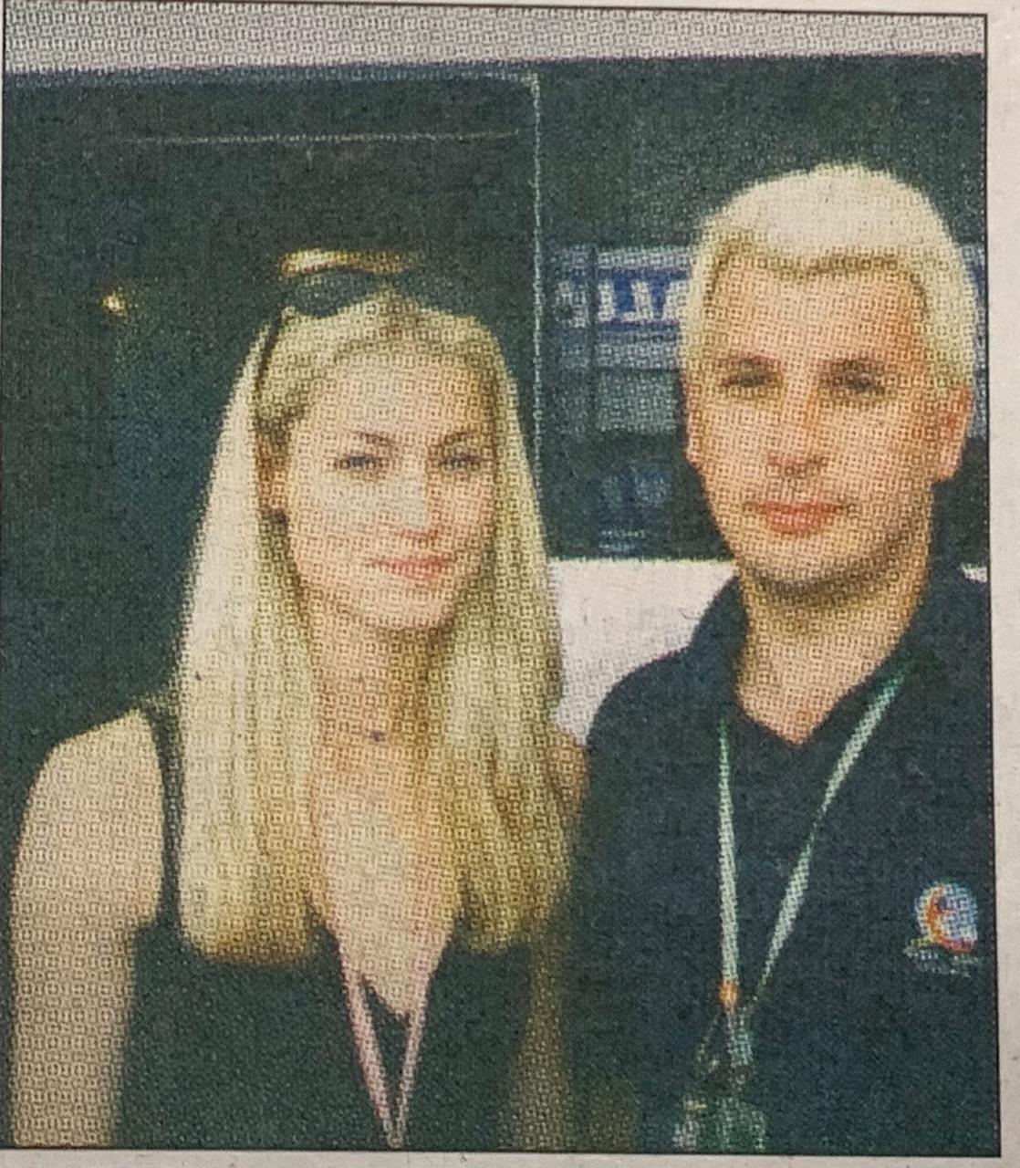 """Пратеникът на """"24 часа"""" с приятелката на Дейвид Култард - Хайди Вишински. Снимка: Неизвестен"""